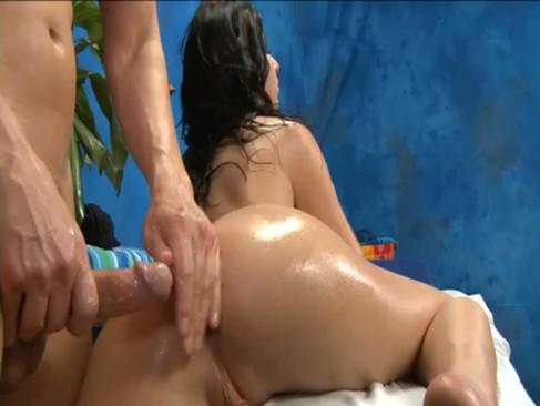 seks-massazh-s-maslom-video