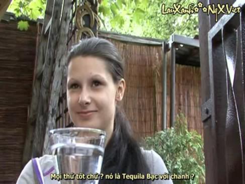cheshskaya-devushka-za-dengi